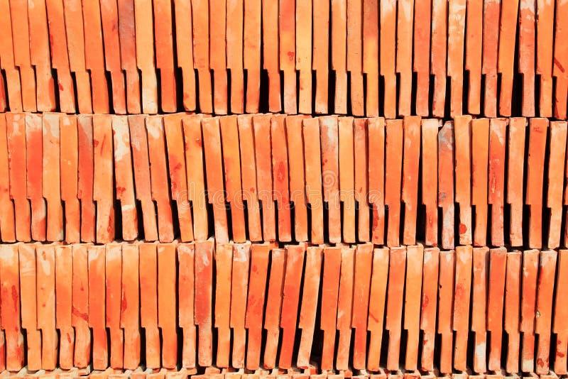 Download Pilha De Telha De Telhado Vermelha Imagem de Stock - Imagem de cimento, naughty: 16858471