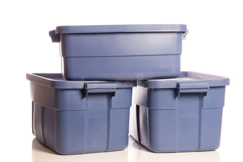 Pilha de três cubas azuis do armazenamento imagem de stock royalty free