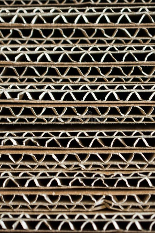 Pilha do cartão na textura do cartão ondulado como vagabundos industriais foto de stock royalty free