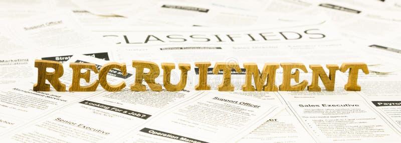 Pilha do fraseio do recrutamento em anúncios dos classifieds foto de stock royalty free