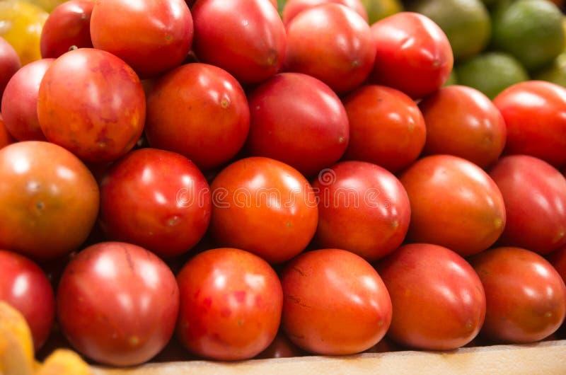 Pilha do tamamoro do tomate de árvore, tamarillo no fotos de stock royalty free