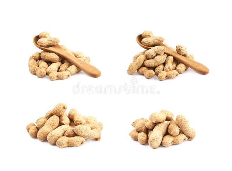 Pilha dos amendoins isolados fotografia de stock royalty free