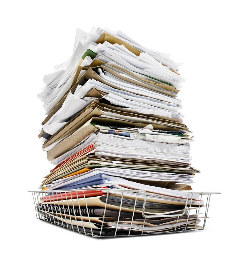 Pilha dos arquivos na bandeja fotografia de stock