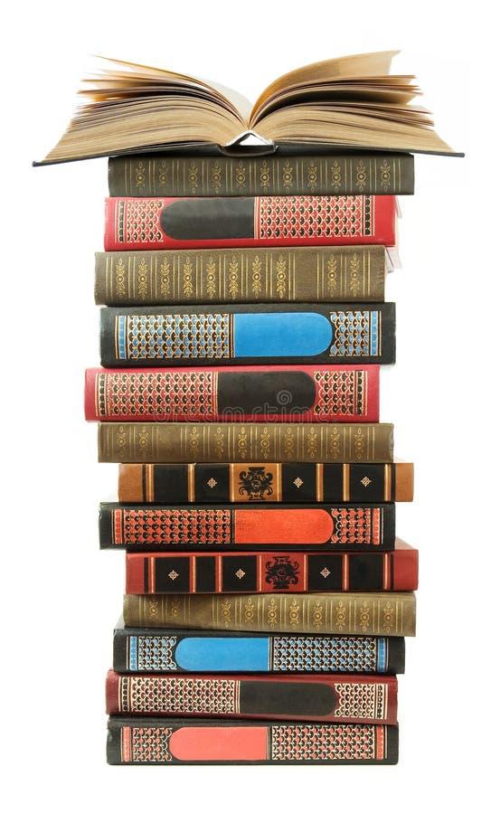 Pilha grande de livros antigos velhos fotos de stock