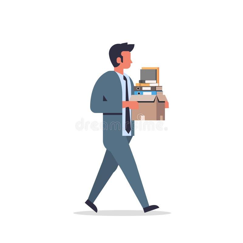 Pilha levando da caixa de papel do homem de negócios ocupado de desenhos animados masculinos indo sobrecarregados documentos do t ilustração stock