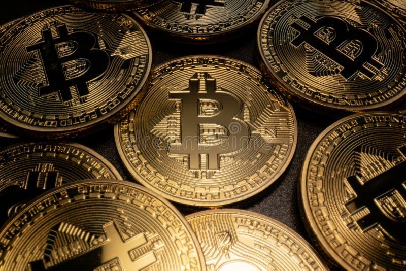 Pilha macro de Bitcoin imagens de stock royalty free