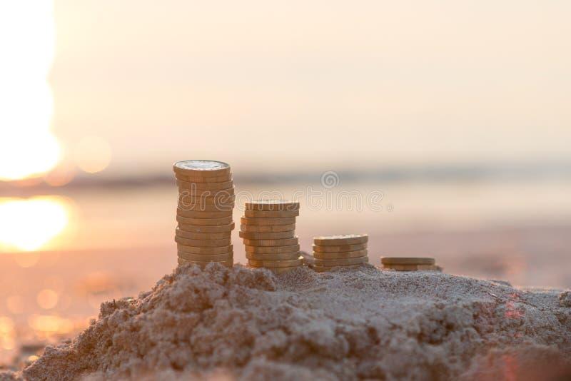 Pilhas da moeda de libra imagem de stock royalty free