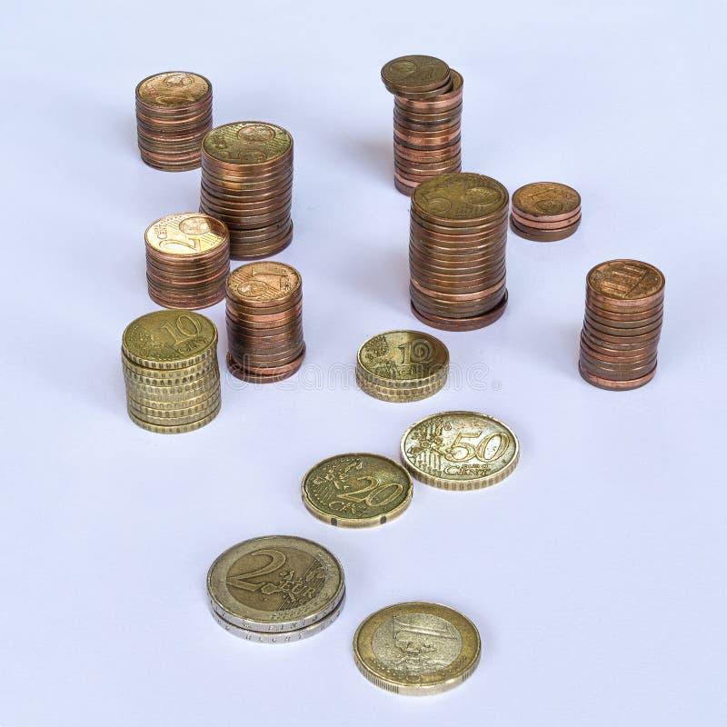 Pilhas de euro- moedas fotos de stock royalty free