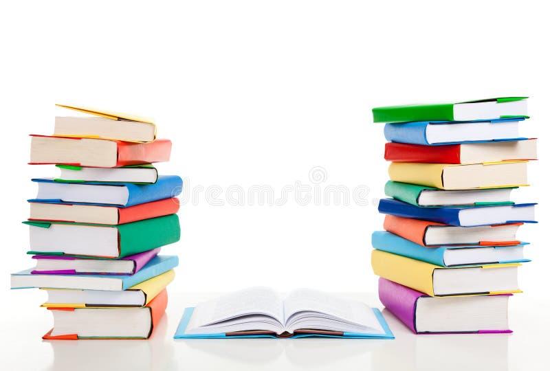 Pilhas de livros fotos de stock