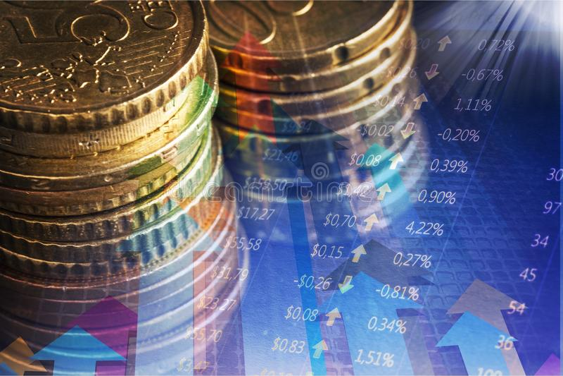 Pilhas douradas das moedas, opinião do close-up imagem de stock royalty free