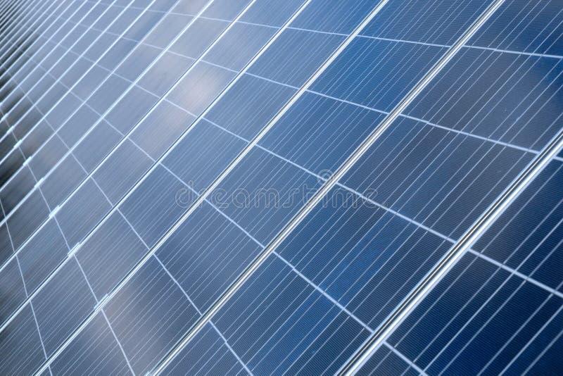 Pilhas Photovoltaic em um painel solar imagens de stock royalty free