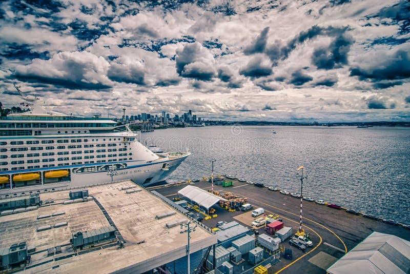 Pilier 91 de bateau de croisière à Seattle Washington images stock