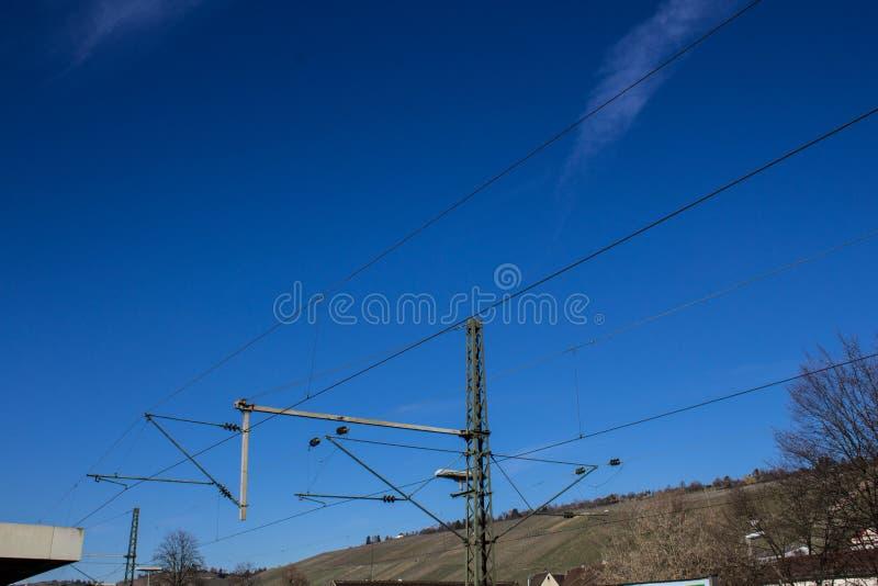 Pilier de courant électrique pour des trains image libre de droits
