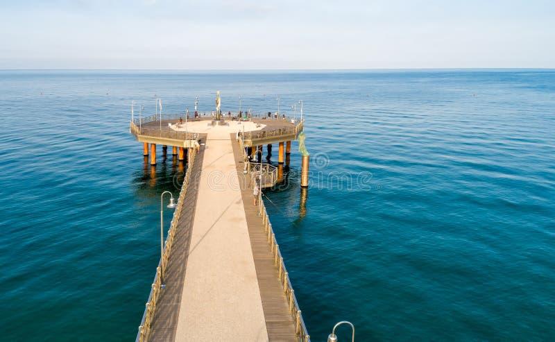 Pilier de la plage de Marina di Pietrasanta dans Versilia, Italie images libres de droits