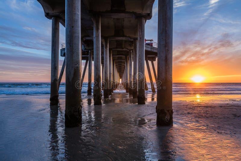 Pilier du Huntington Beach de Californie du sud images stock