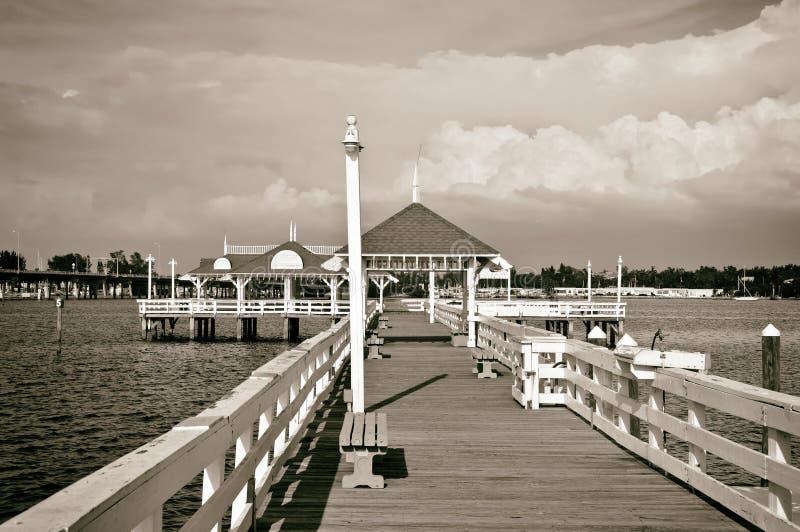 Pilier historique de plage de Bradenton photos stock