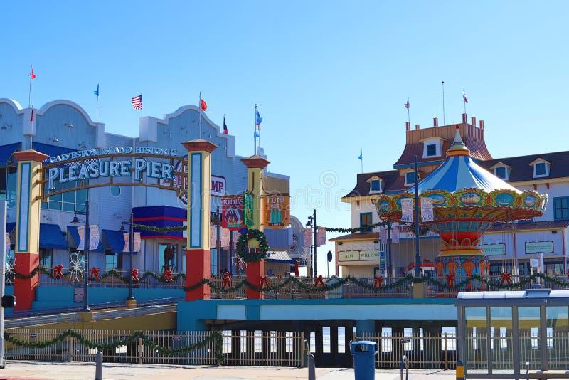 Pilier historique de plaisir d'île de Galveston décoré pour Noël images libres de droits