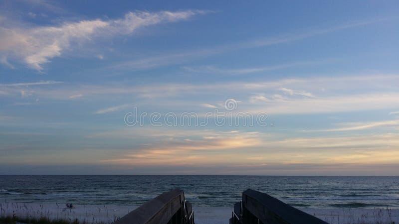 Pilier sur la plage photographie stock