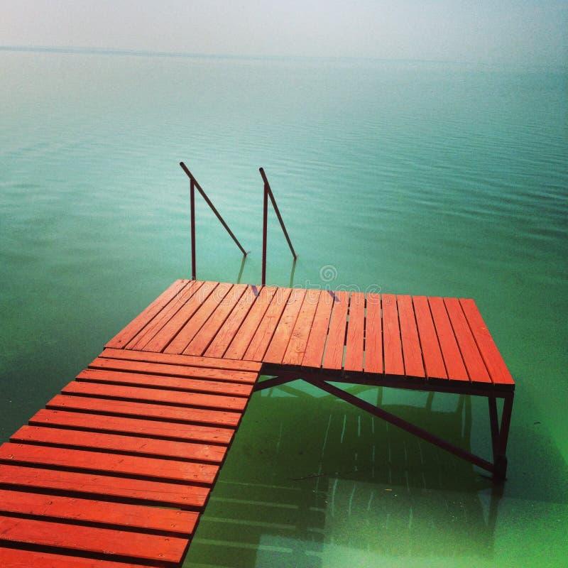 Pilier sur le Lac Balaton - la Hongrie image libre de droits