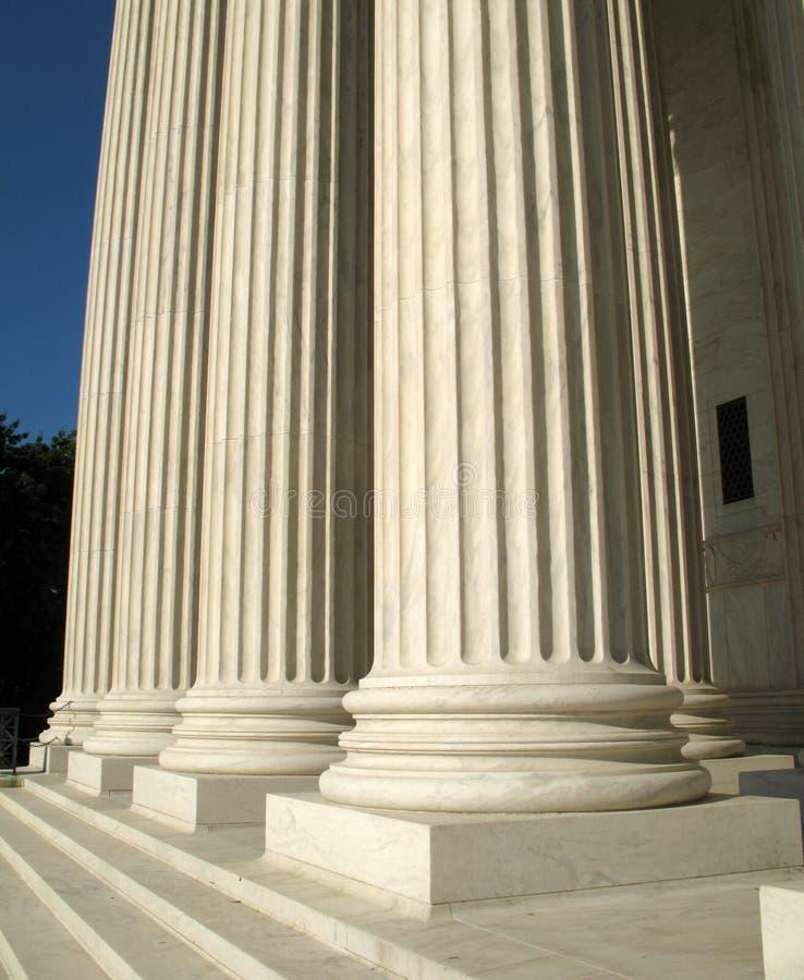 Piliers de court suprême image libre de droits