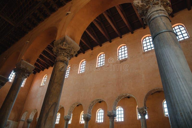 Piliers de la basilique Euphrasienne à Porec, site du patrimoine mondial de l'UNESCO, Croatie photographie stock