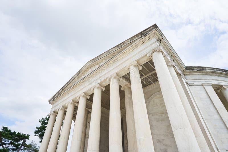 Piliers ioniques chez Jefferson Memorial image stock