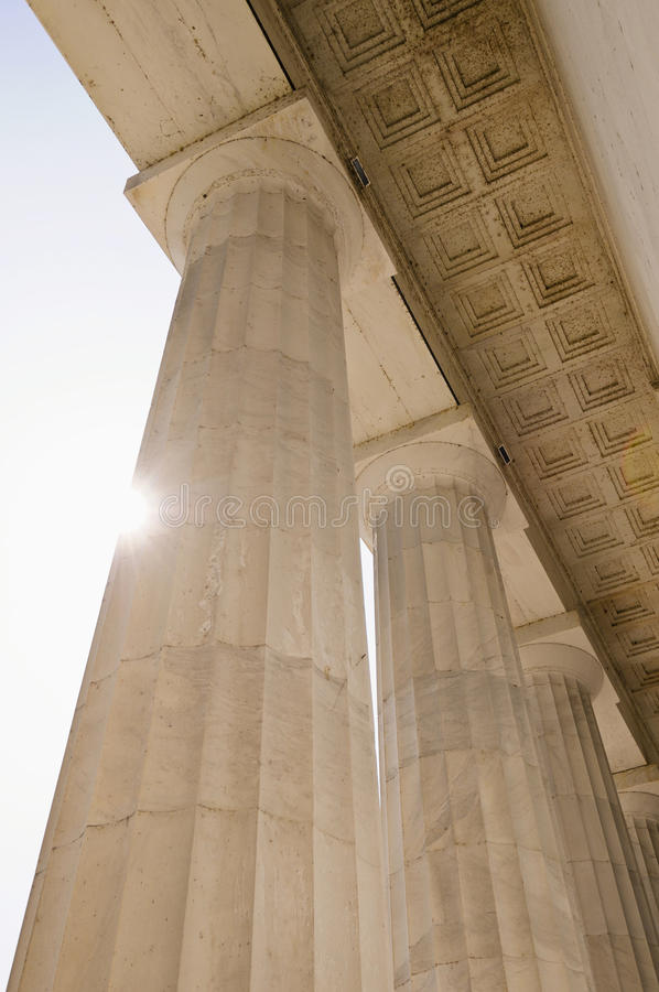 Pillars with flare
