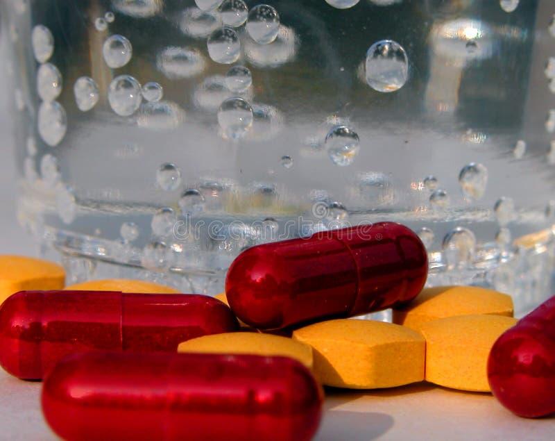 Download Pillen stock afbeelding. Afbeelding bestaande uit fizzy - 34019
