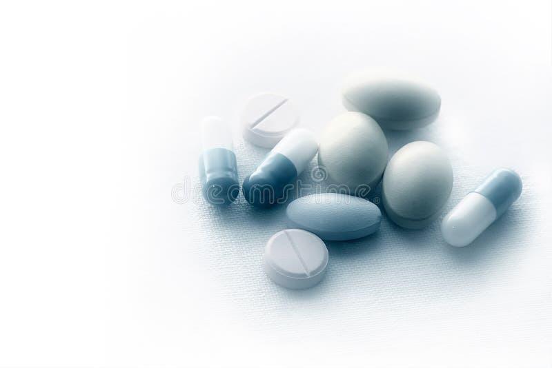 Pillen Auf Sterilem Tuch Stockbild