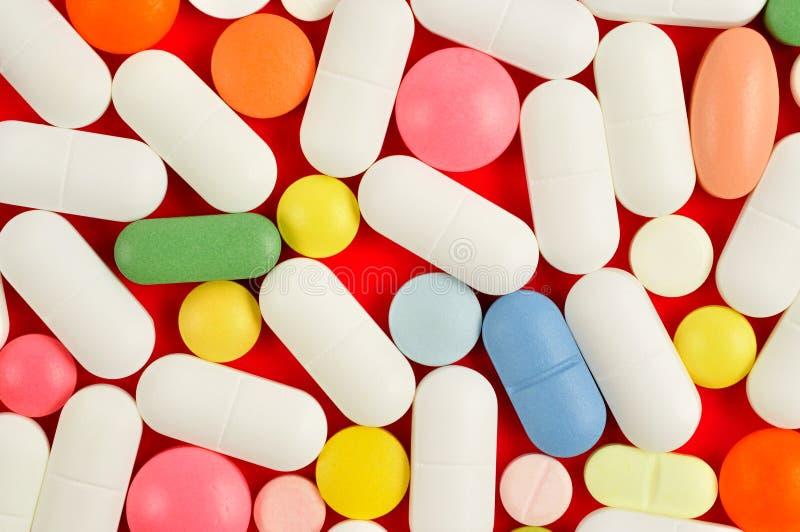 Pillen op Groen royalty-vrije stock afbeelding