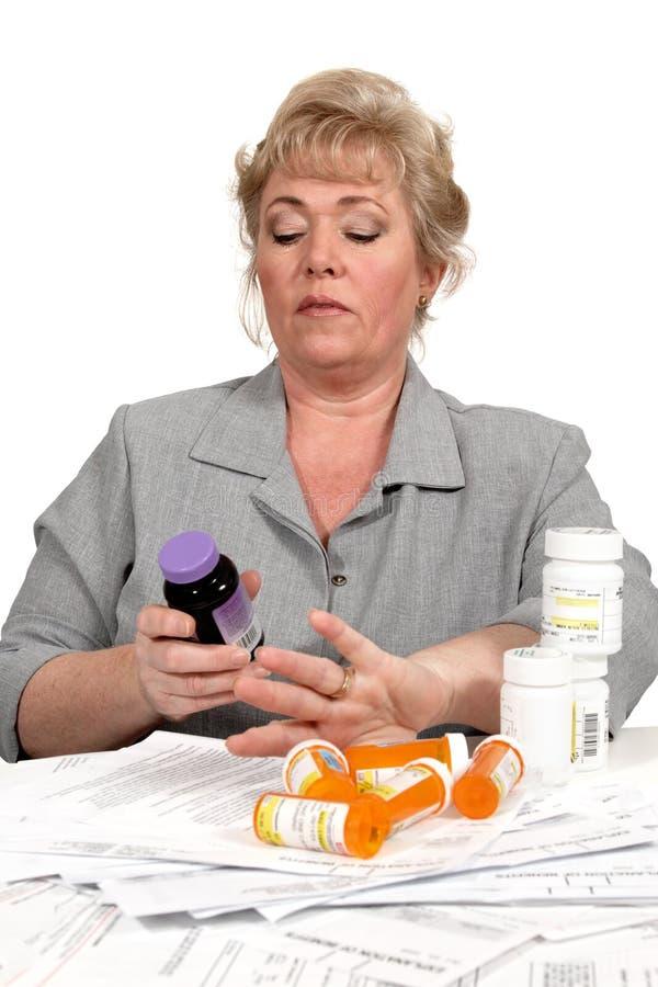 Pillole & fatture fotografia stock libera da diritti