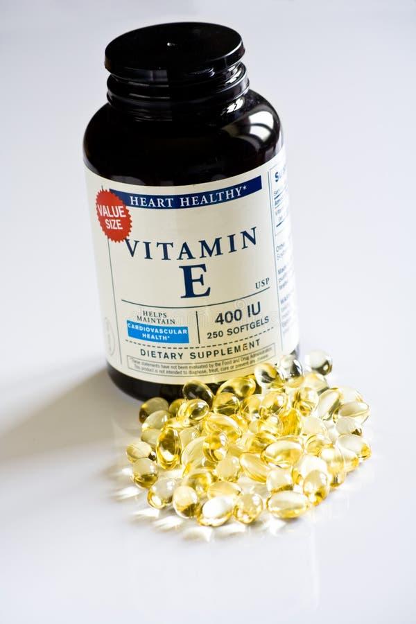 Pillole del gel delle vitamine immagine stock