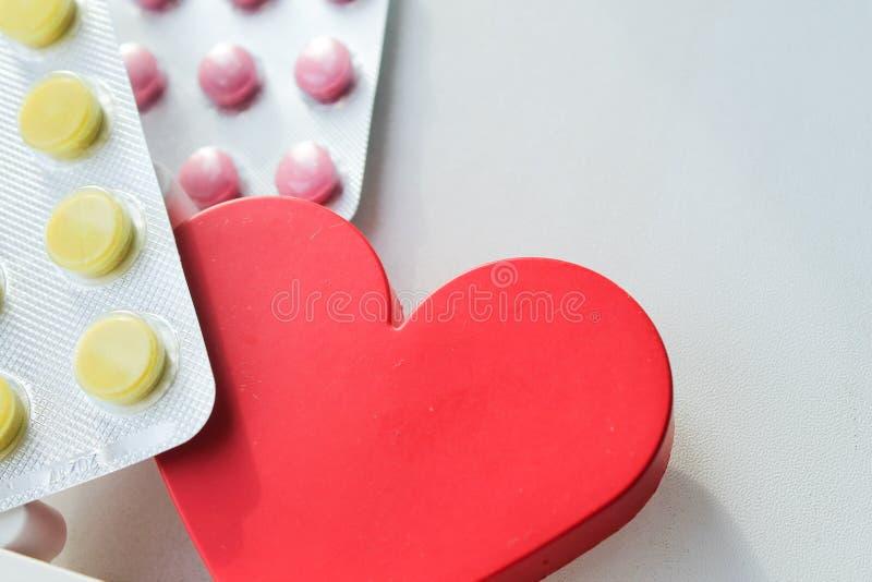 Pillole della malattia cardiaca Trattamento e prevenzione delle malattie fotografie stock