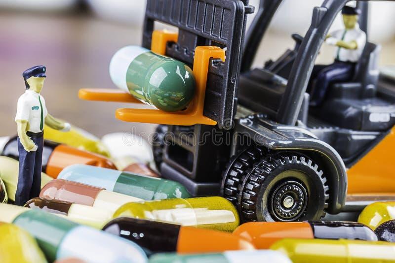 Pillole o capsule della medicina su fondo di legno Prescrizione del farmaco per il farmaco di trattamento fotografia stock
