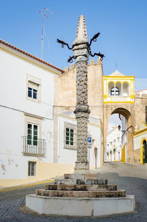 Pillory bei Largo de Santa Clara, Elvas, Alentejo, Portugal lizenzfreies stockbild