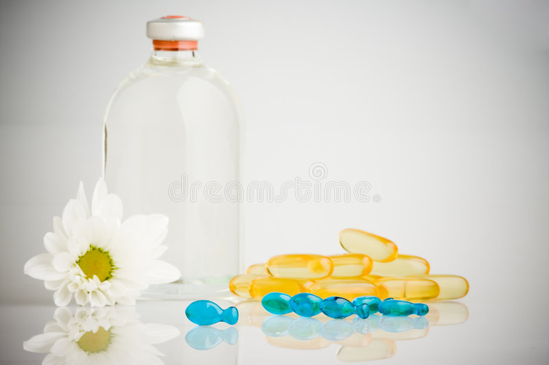 Download Pills And Bottle Royalty Free Stock Images - Image: 5705089