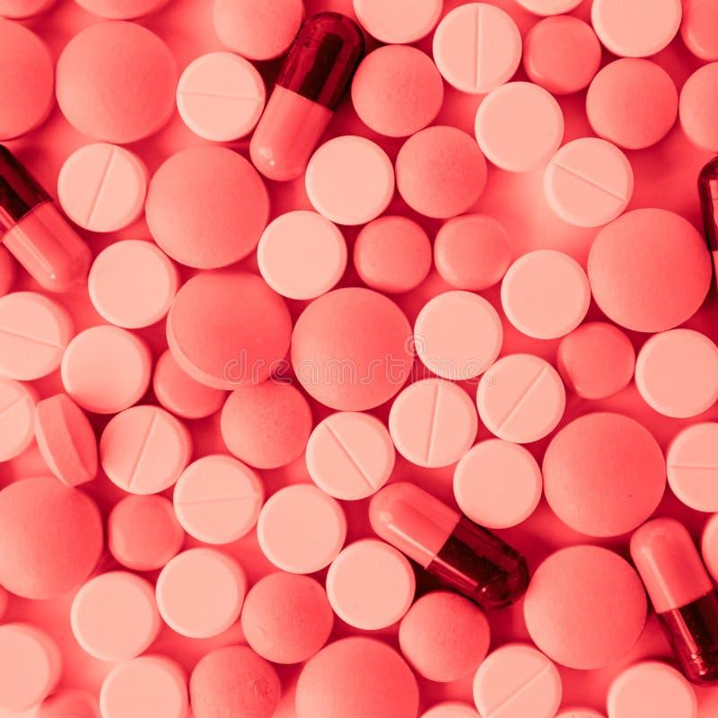 Pills och kapslar arkivbild