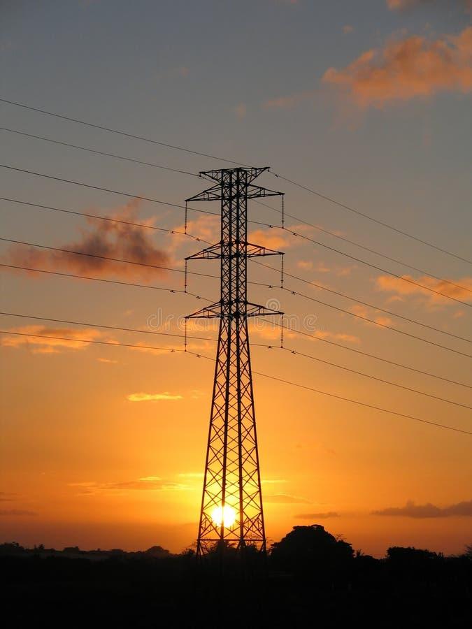 Download Pilon elektryczne obraz stock. Obraz złożonej z zmierzch - 33041