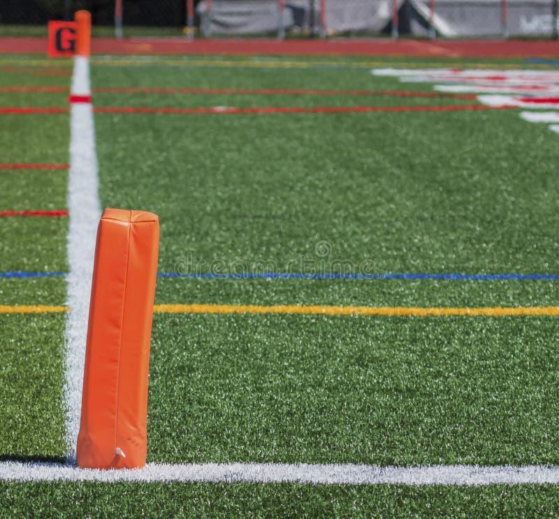 Pilone dell'end zone di calcio fotografie stock