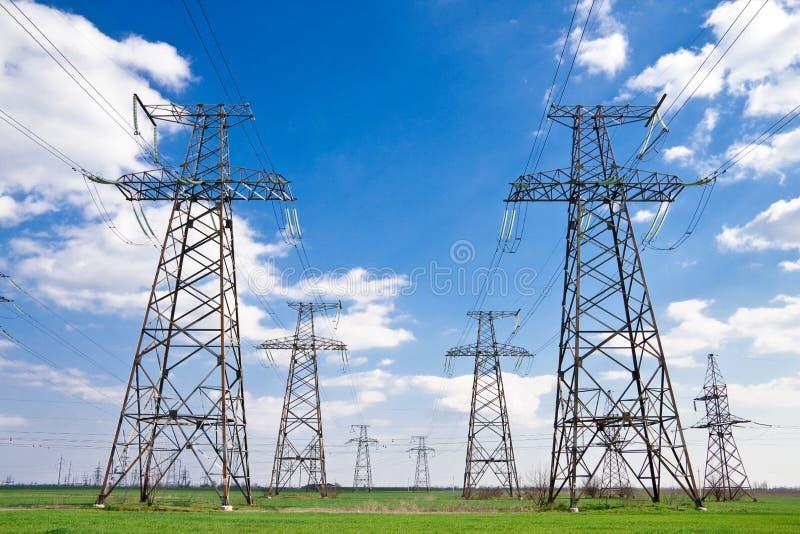 Pilone o torretta di elettricità immagine stock