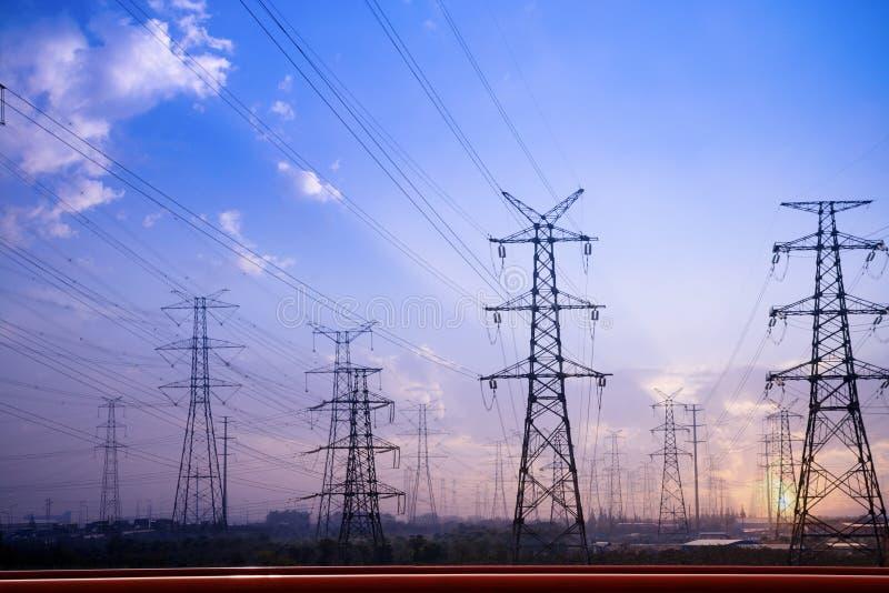 Pilones de la electricidad fotografía de archivo libre de regalías