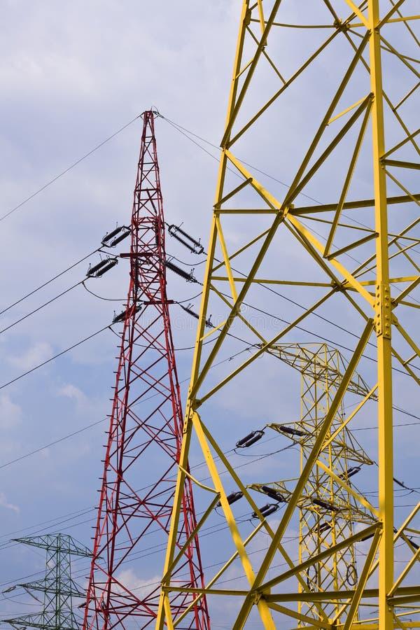 Piloni di elettricità fotografia stock libera da diritti