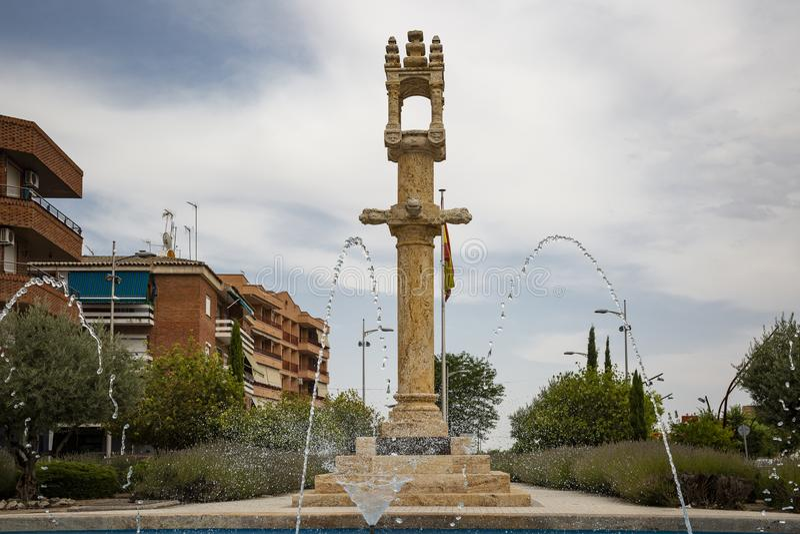 Pilori en pierre dans la place de liberté à la ville de Torrijos image libre de droits