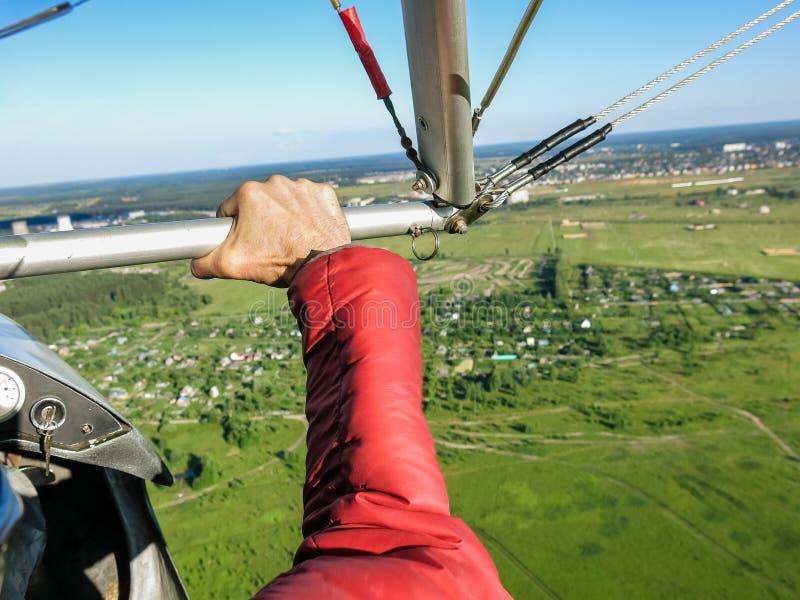 Pilotage de Hangglider image libre de droits