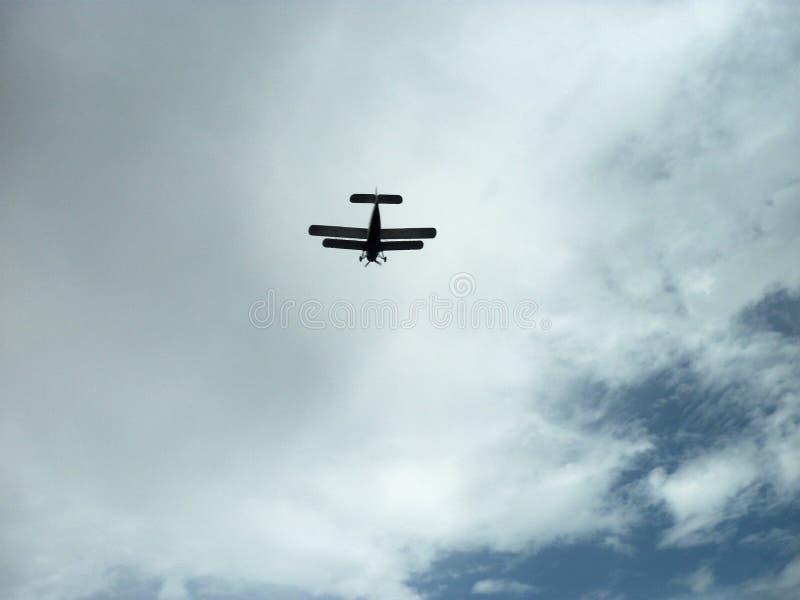 Pilotez mon oiseau en métal haut Dans le ciel bleu Apportez les sourires au mon Venezuela photographie stock libre de droits