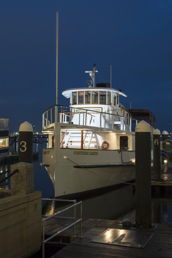 Pilothouse des lumières du nord de bateau de croisière photos stock