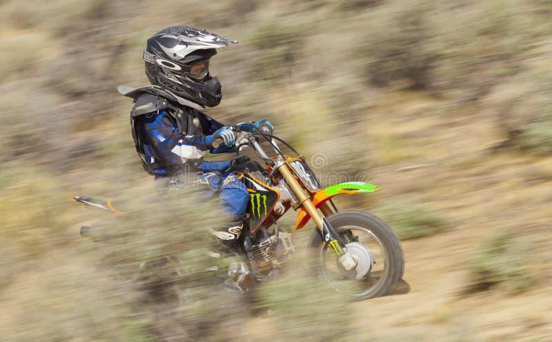 Piloto de Dirtbiker da juventude imagem de stock royalty free
