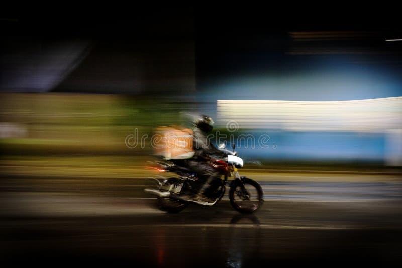 Cuando crees haber visto todo, aquí tienes una motogrúa