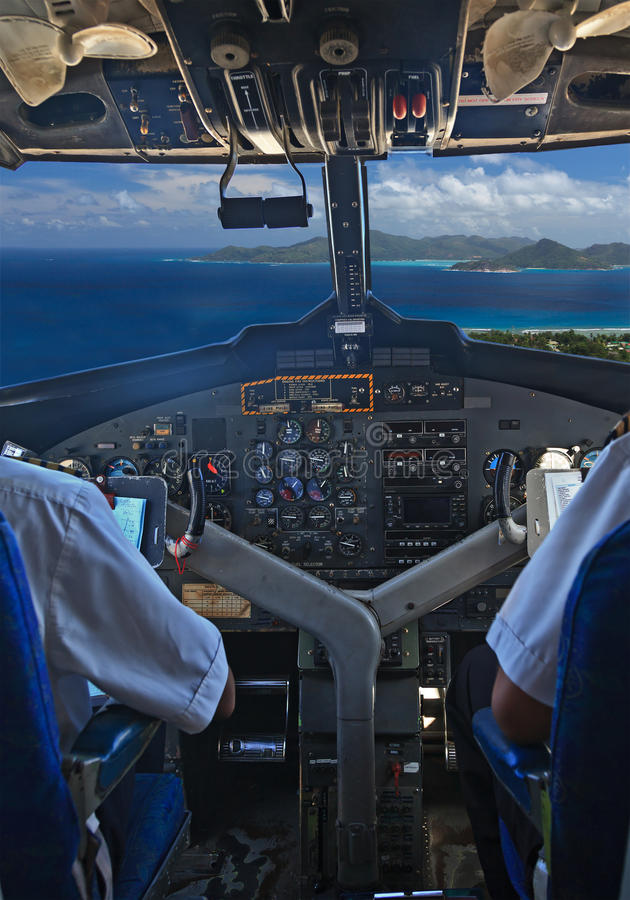 Pilotos sobre las islas tropicales fotografía de archivo
