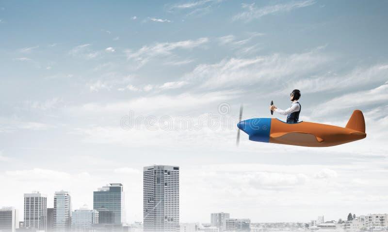 Pilotowy obsiadanie w kabinie ma?y samolot zdjęcia royalty free